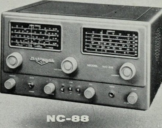 ラジオから流れるニュースを聴く夢