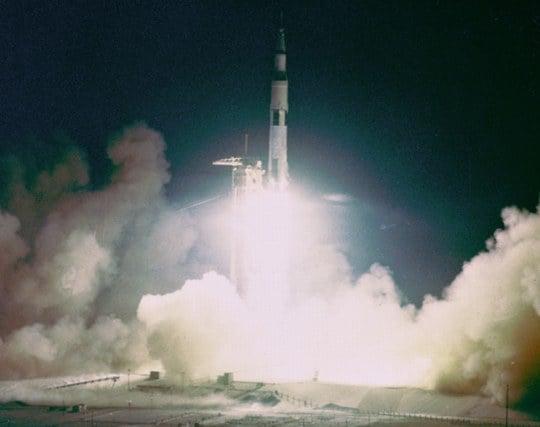 ロケットの打ち上げに成功する夢