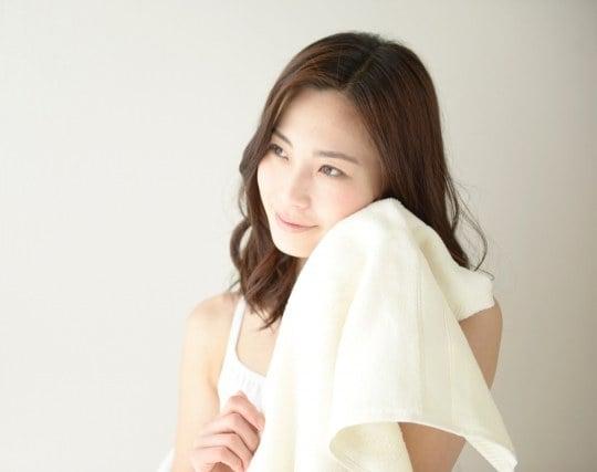 清潔なタオルで顔を拭く夢