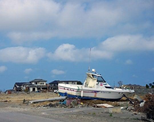 津波で町が破壊される夢