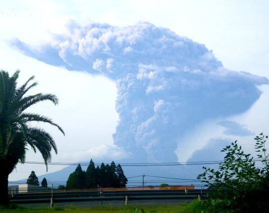 火山が噴火する夢