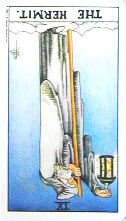 銀貨のカード:隠者 - The Hermitの逆位置