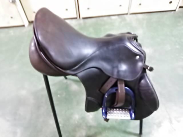 手入れ後の鞍